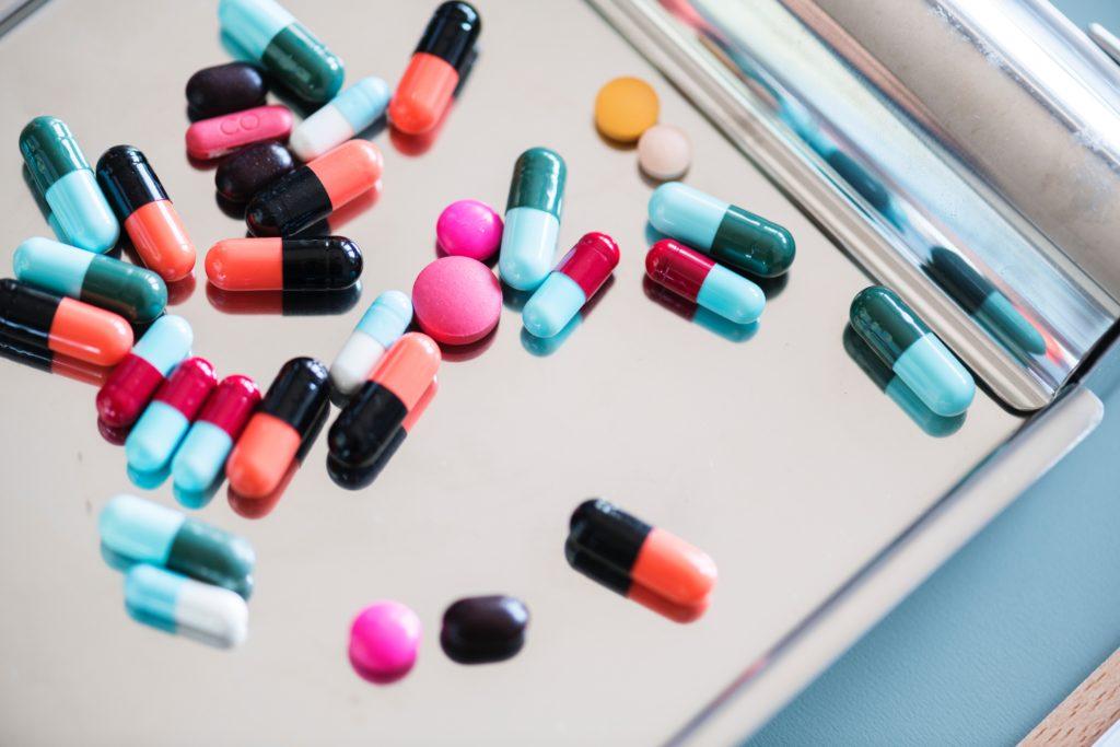 薬のカプセル